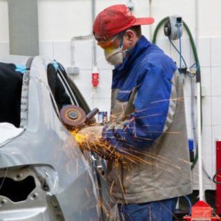 Кузовной ремонт автомобиля: устранение вмятин