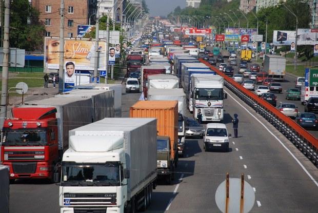 Грузы, ввозимые в Москву и вывозимые из столицы и способы решения транспортных проблем.
