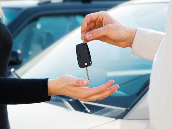 Преимущества и недостатки покупки или аренды автомобиля