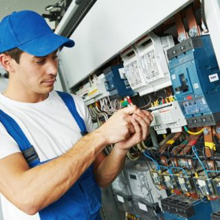 Электрик – востребована профессия