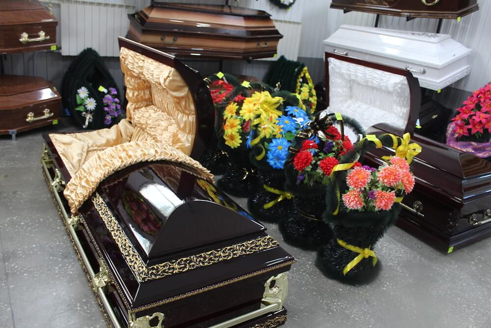Покупка гроба – трудное испытание