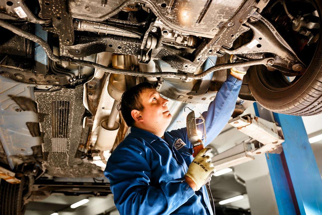 Этапы ремонта ходовой части автомобиля
