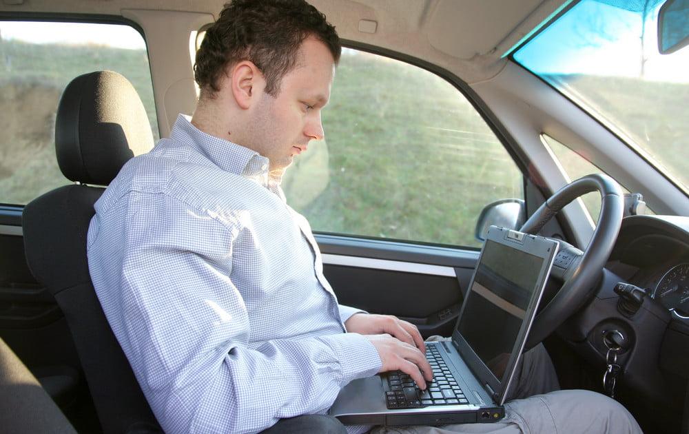 ОСАГО онлайн или в офисе дилера - что выгоднее?